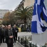 Ο πρόεδρος της Ε.ΔΗ.Κ., Σταύρος Καράμπελας, παρουσιάζει την τελετή των αποκαλυπτηρίων του αδριάντα του Αλέκου Παναγούλη